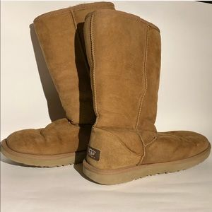 UGG brown leather boots size 8